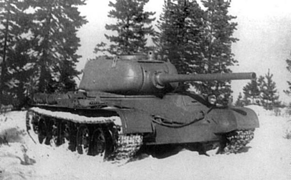 T-44 był następcą słynnego T-34/85