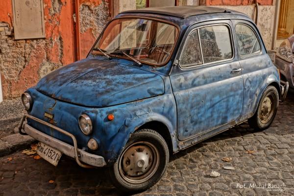 Fiat 500L w Rzymie współcześnie (fot. Michał Banach)