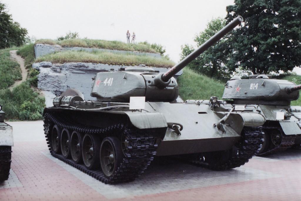 T-44 w muzeum. Zwraca uwagę wieża taka sama jak w T-34/85 i zupełnie inny kadłub