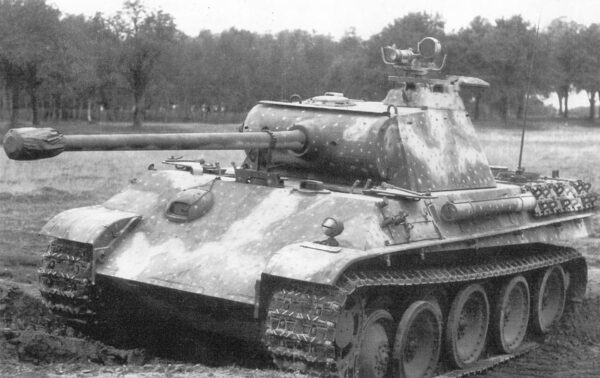 Czołg PzKpfw V Panther z systemem noktowizyjnym