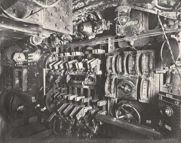 Przedział akumulatorów (fot. Tyne & Wear Archives & Museums)