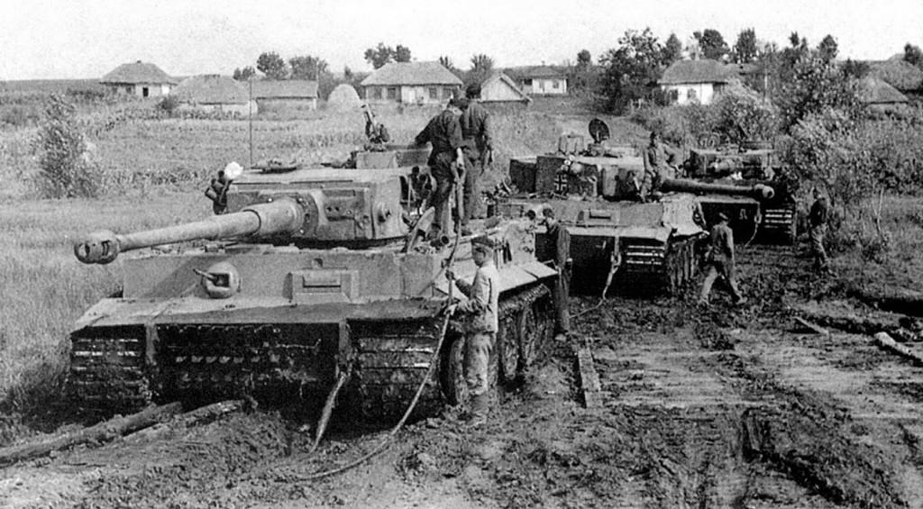 Niemiecki PzKpfw VI tygrys uznawany jest za jeden z najlepszych czołgów II wojny światowej. Pod koniec wojny nei był już tak skuteczny jak w momencie wprowadzenia, a pod względem konstrukcji był ślepą uliczką