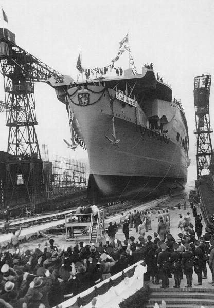 Wodowanie lotniskowca Graf Zeppelin