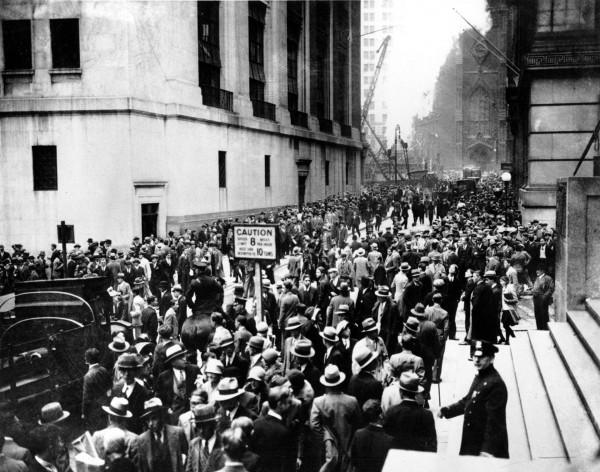 Tłumy na Wall Street po upadku Giełdy 24 października 1929 roku
