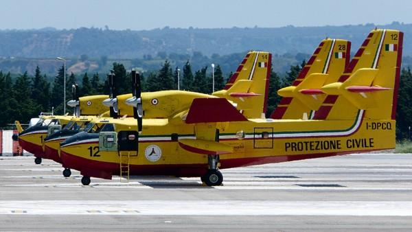 Canadair CL-415 (fot. Neuwieser/flickr.com)