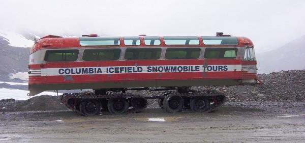 GąsienicoGąsienicowy autobus Columbia Icefield Snowmobile Tours (fot. Leonard G./Wikimedia Commons)wy autobus Columbia Icefield Snowmobile Tours