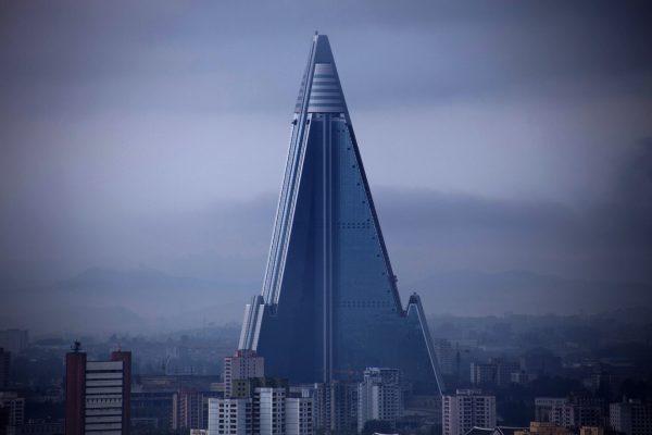 Ryugyong Hotel (fot. Roman Harak)