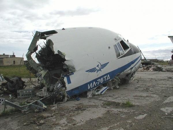Wrak Ił-a-76TD (fot. Dmirty Avdeev)