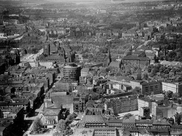 Panorama Poznania z przełomu lat 50 i 60. (fot. Grzegorz Isalski/Blizny Poznania)