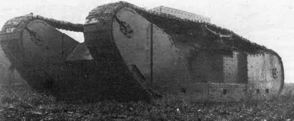 Prawdopodobnie zdjęcie nieuzbrojonego prototypu Studebaker Supply Tank