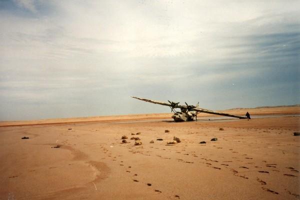 Wrak Cataliny N5593V w Arabii Saudyjskiej (fot. Ken Stanford)