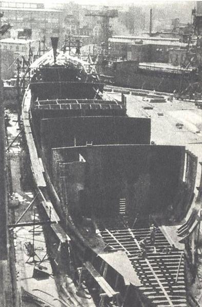 Sołdek w trakcie budowy