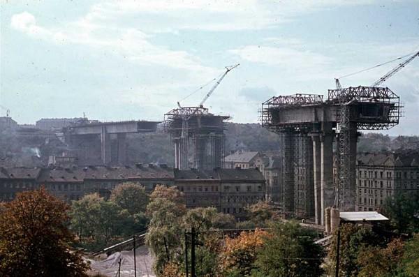 Most Nuselski w czasie budowy