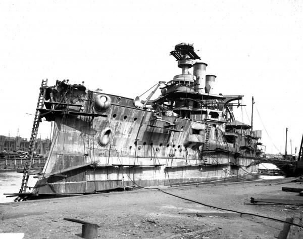 Pancernik USS Idaho (późniejszy Lemnos) w trakcie budowy