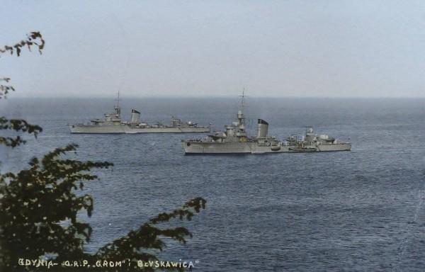 ORP Grom i ORP Błyskawica w Gdyni pod koniec sierpnia 1939 roku (fot. Mateusz Prociak)