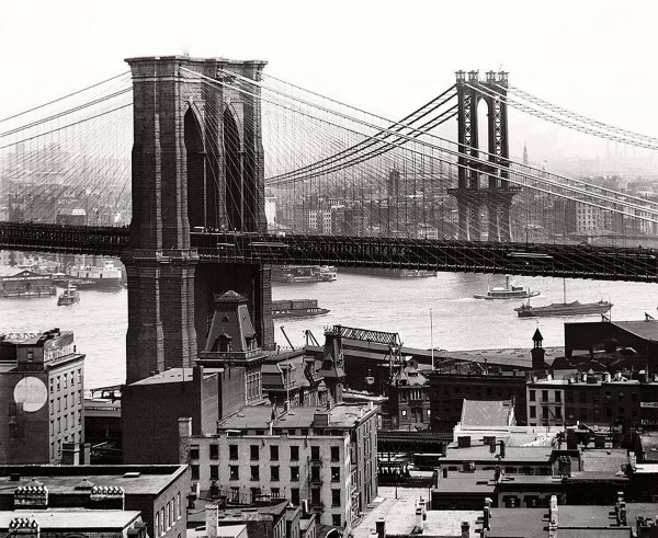 Most Brookliński i Manhattan Bridge (w trakcie budowy) w 1908 roku