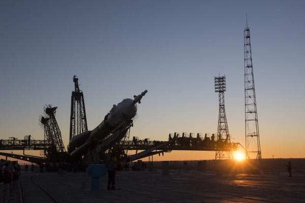 TMA-19M w drodze na platformę startową - 13 grudnia 2015. (fot. Stephen Corvaja/ESA)
