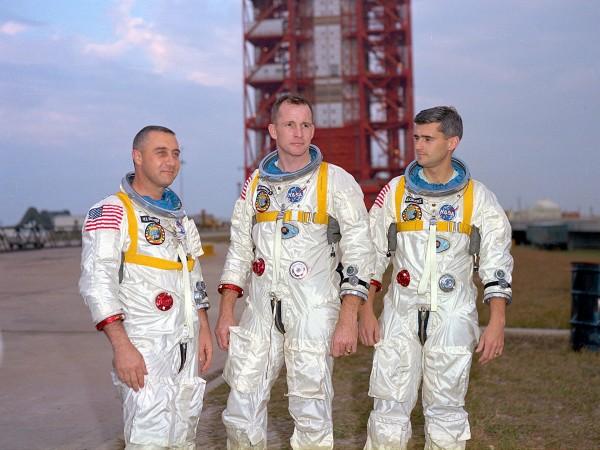 """Astronauci misji Apollo 1 - od lewej Virgil """"Gus"""" Grissom, Edward Higgins White i Roger Chaffee"""