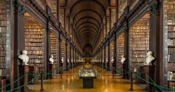 Trinity College Library w Dublinie