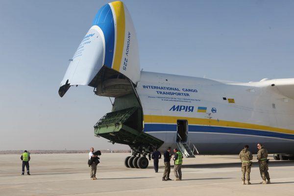 Antonow An-225 Mrija (fot. Cpl Timothy P. Chesnavage)