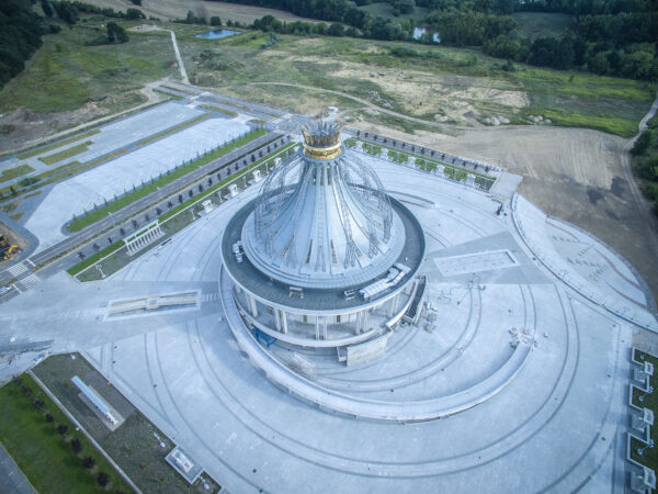 Kościół Maryi Gwiazdy Nowej Ewangelizacji i Świętego Jana Pawła II w Toruniu (fot. Igor Snopek/Architektura VII Dnia)