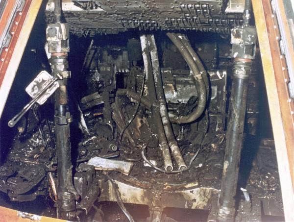 Wypalone wnętrze modułu dowodzenia