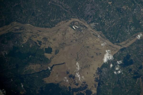 Powódź na Wiśle - 22 maja 2010 - zdjęcie wykonane aparatem Nikon D3S z pokładu stacji ISS