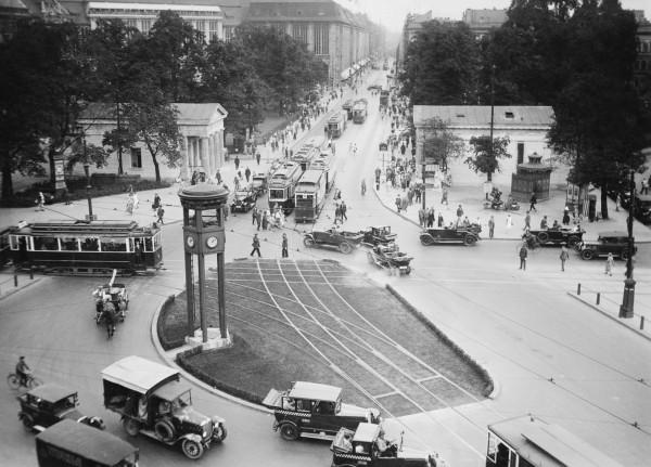 Wieża sygnalizacyjna w Berlinie w 1925 roku