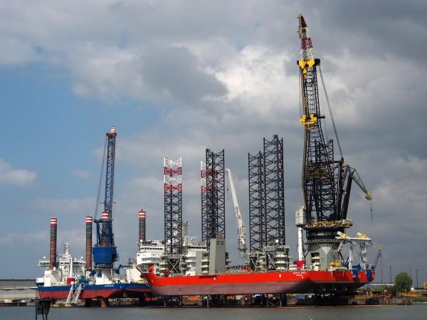 Statki samo-podnośne Sea Installer i Pacific Orca