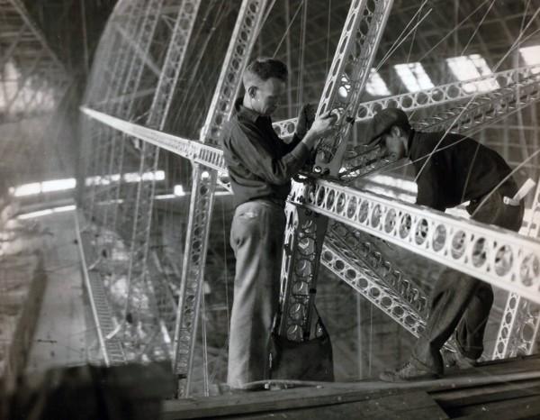 Budowa szkieletu jednego z sterowców typu Akron