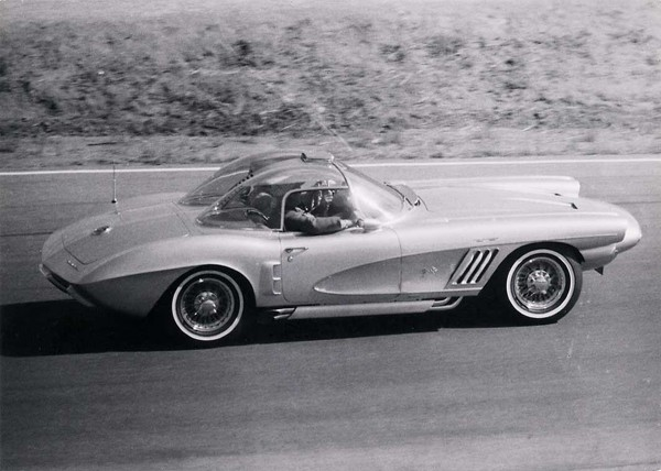 Chevrolet Corvette XP-700