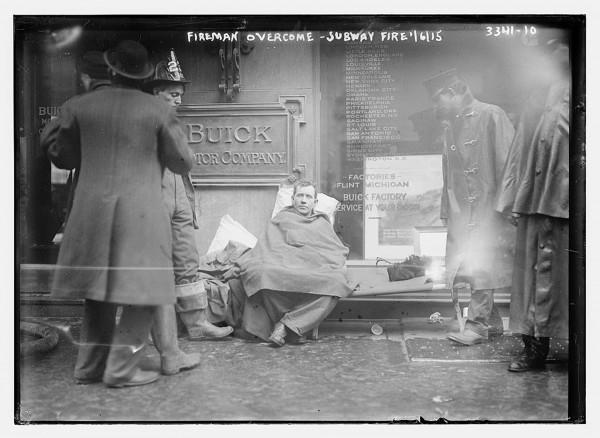 Pożar w nowojorskim metrze - 6 stycznia 1915 (fot. Bain News Service)