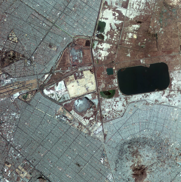 Mexico City - zdjęcie z 21 grudnia 2012 roku zrobione przez satelitę Kompsat-2 (fot. ESA)