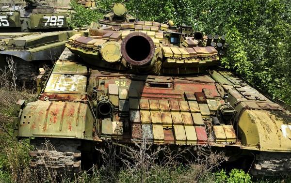 Cmentarzysko czołgów w Charkowie (fot. Pavel Itkin)