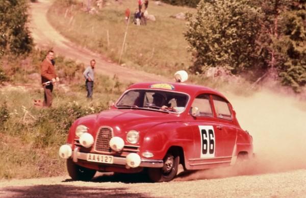Saab 96 w czasie rajdu
