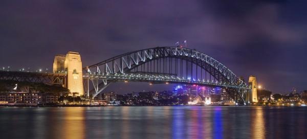 Sydney Harbour Bridge współcześnie (fot. JJ Harrison)