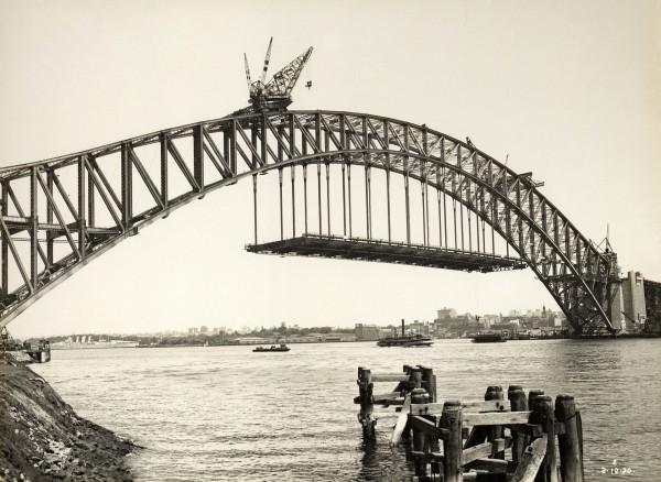 Sydney Harbour Bridge w trakcie budowy