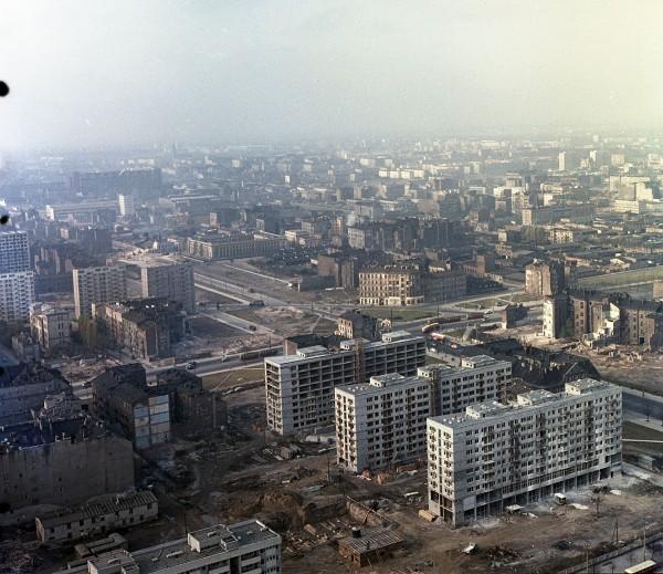 Widok w kierunku jeszcze nieistniejącego ronda ONZ (fot. Naga Gyula/fortepan.hu)