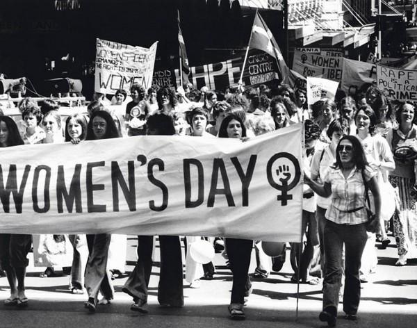 Marsz z okazji Międzynarodowego Dnia Kobiet - 12 marca 1977 roku (Fot. David Bartho)