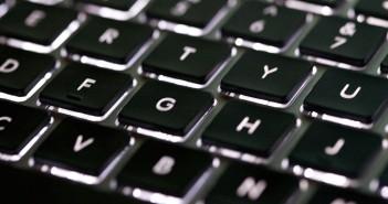 Wypustki na literach F i J na klawiaturze - do czego służą?