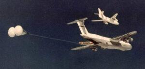 Wystrzelenie rakiety balistycznej z pokładu C-5 Galaxy