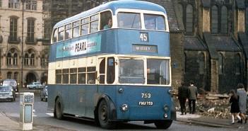 Trolejbus na ulicach Bradford w latach 60. - zdjęcie