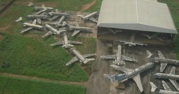 Wraki samolotów na lotnisku w Benin City