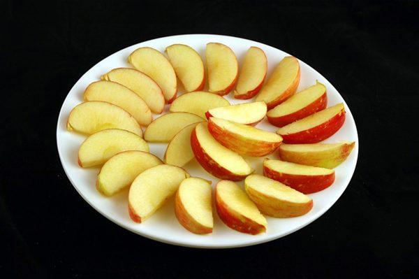 385 g jabłek = 200 kalorii