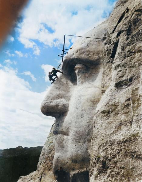 Mount Rushmore - 31 maja 1932 roku (fot. Jordan J. Lloyd/www.dynamichrome.com)