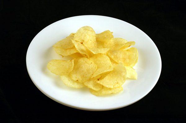 39 g chipsów = 200 kalorii