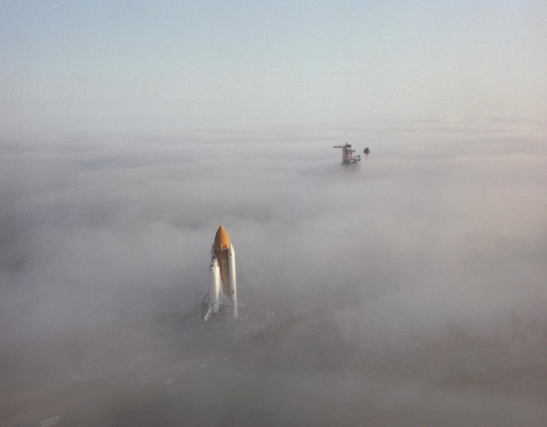 Prom kosmiczny Challenger w drodze na stanowisko startowe w listopadzie 1982 roku (fot. NASA)