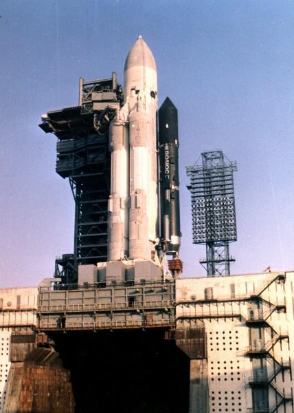 Stacja Polus i rakieta nośna Energia