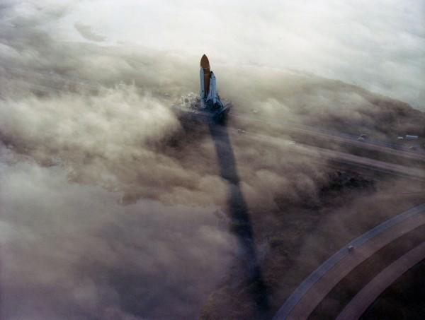 Prom kosmiczny Columbia w drodze na stanowisko startowe w listopadzie 1982 roku (fot. NASA)