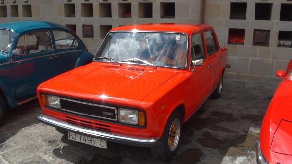SEAT 124 - hiszpańska licencyjna wersja Fiata 124 (fot. Santuario Torreciudad)